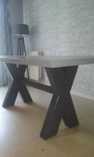 Table de salle 650 €