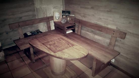 banquettes et table  400€