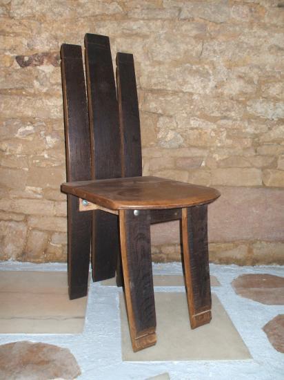 chaise noire  100€
